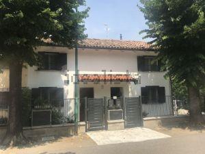 Casa indipendente in via Roma