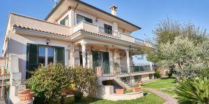 Villa in via Odino, 44