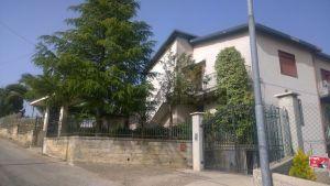 Villetta bifamiliare in via Vittorio Alfieri, 17