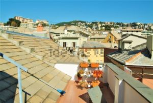 Attico in Area Residenziale centro storico quartiere Prè-Molo-Maddalena