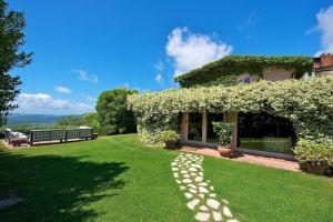 Villa in Area Residenziale carignano Area Cappella-Monte San Quirico