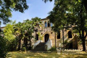 Villa in vendita a Arquà Petrarca