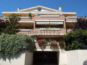 Appartamento con terrazza in vendita a Roma