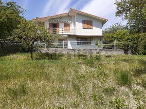 Villa in villaggio dei ciliegi s.c.n