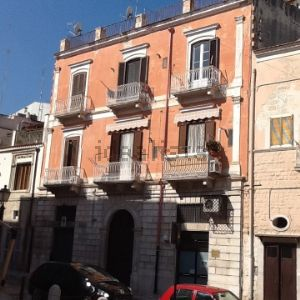 Appartamento su due piani in via Municipio, 55