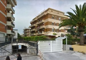 Appartamento in viale Leone XIII s.c.n