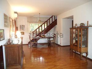Appartamento su due piani in viale del Ledra