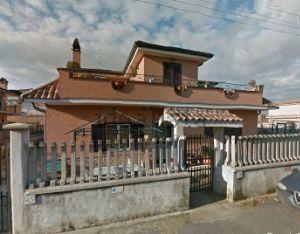 Appartamento all'asta in via Agugliano, 15