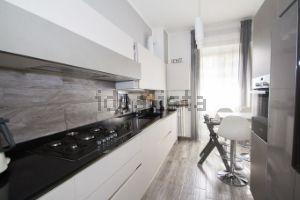 Appartamento in viale Giovanni Suzzani, 283