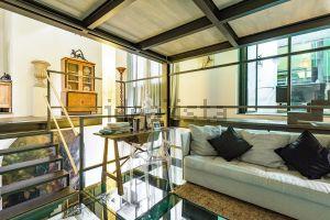 Appartamento su due piani in via Lepontina