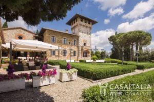 Villa in via della Rocca, 3