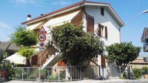 Appartamento in via michelangelo buonarroti, 105