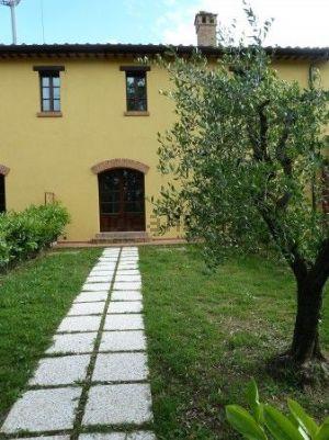 Villetta a schiera in Area Residenziale costalpino Porta Tufi - Porta Romana