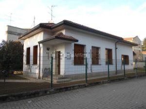 Villa in via Vittorio Veneto, 4