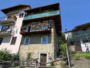 Casa di paese in via Cassia, 37