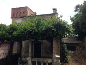 Appartamento in piazza Martiri dell'Olivetta