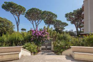 Appartamento su due piani in via Italia, 53
