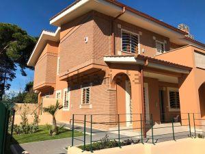 Villetta bifamiliare in via Primiero, 52
