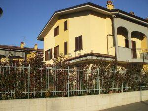 Appartamento in via Ugo Foscolo, 9