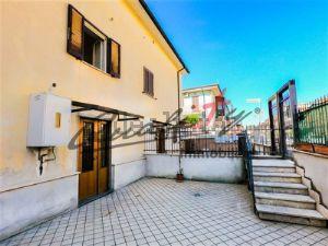 Villa in via Giuseppe Medail s.c.n