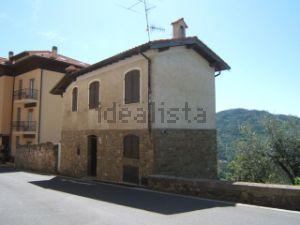 Casa indipendente in via Genova, 1