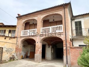 Casa di paese in via Bagiarini, 7