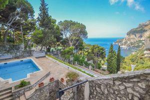 Villa stile greco a Capri