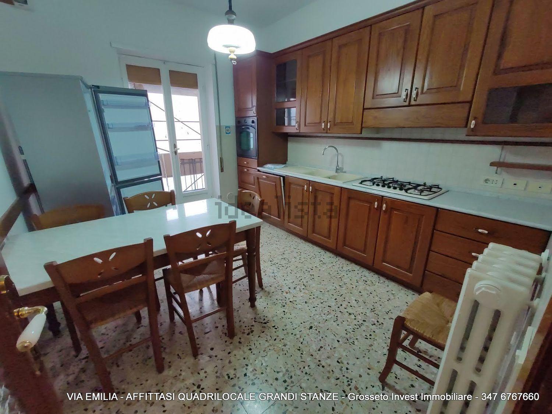Grosseto Invest di L. Ciampi ::  Cucina di quadrilocale in affitto a Via Emilia, Pace, Grosseto