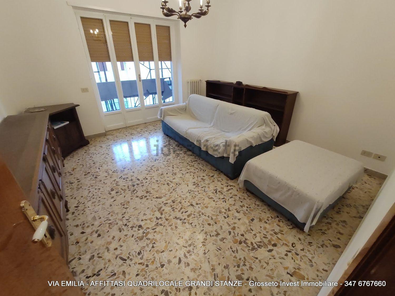 Grosseto Invest di L. Ciampi ::  Sala di quadrilocale in affitto a Via Emilia, Pace, Grosseto