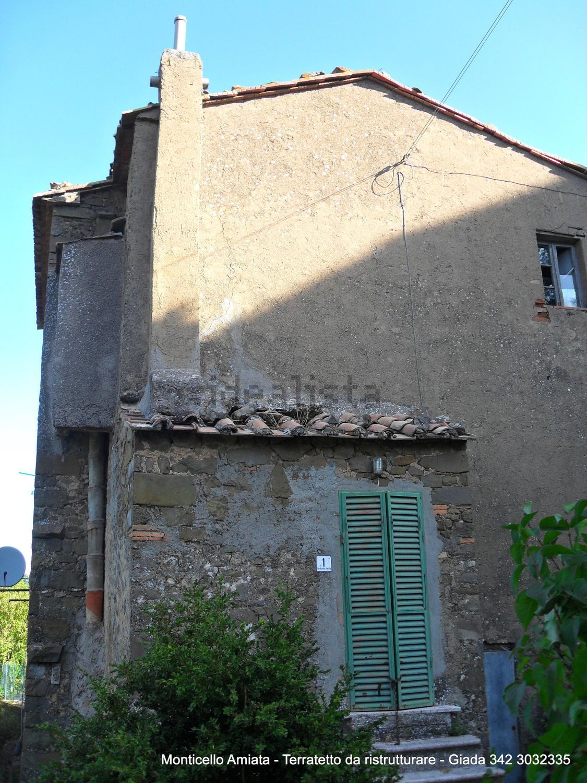 Grosseto Invest di L. Ciampi:: Vista di  casa di paese in vendita a  Monticello Amiata, via della stazione, 24, Cinigiano