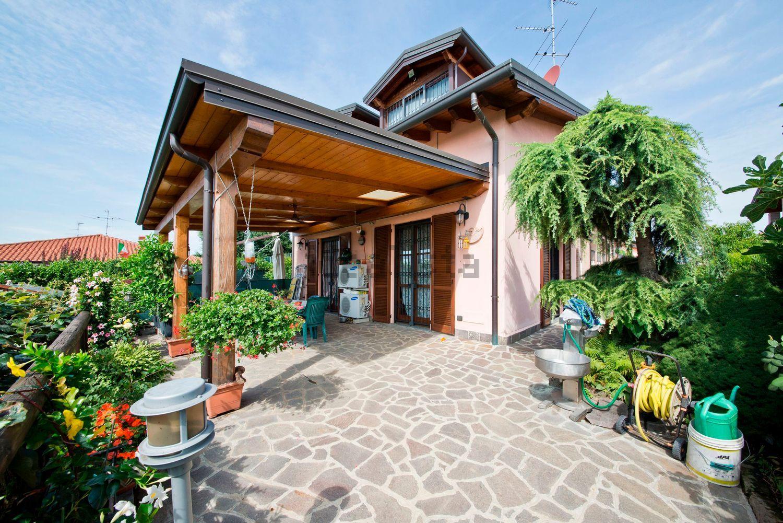 Villa Bifamiliare in Vendita a Basiano