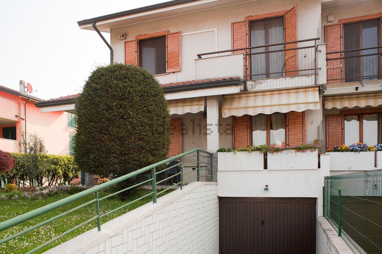 Villa Bifamiliare in vendita a Basiano, 5 locali, prezzo € 270.000 | Cambio Casa.it