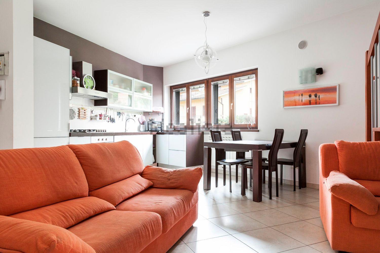 Duplex in vendita a Orte, 4 locali, prezzo € 155.000   Cambio Casa.it