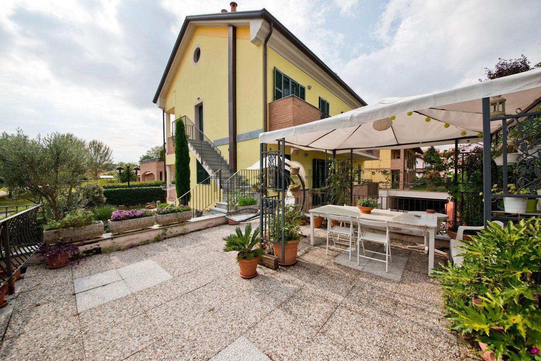 Villa Bifamiliare in vendita a Masate, 6 locali, prezzo € 450.000 | Cambio Casa.it