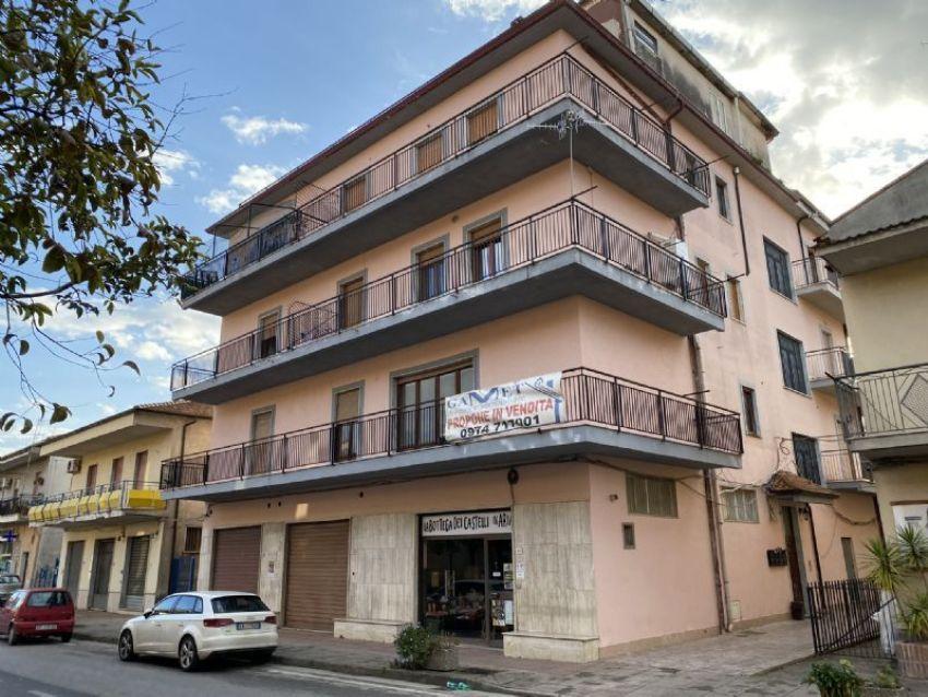 Quadrilocale in vendita a Area Residenziale Casal Velino ...