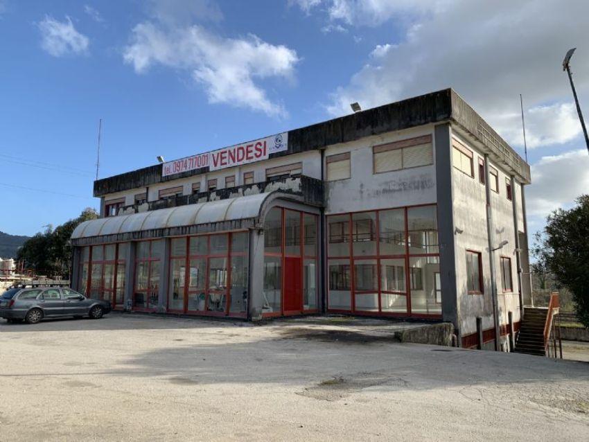 Capannone in vendita a Area Residenziale Vallo Scalo ...
