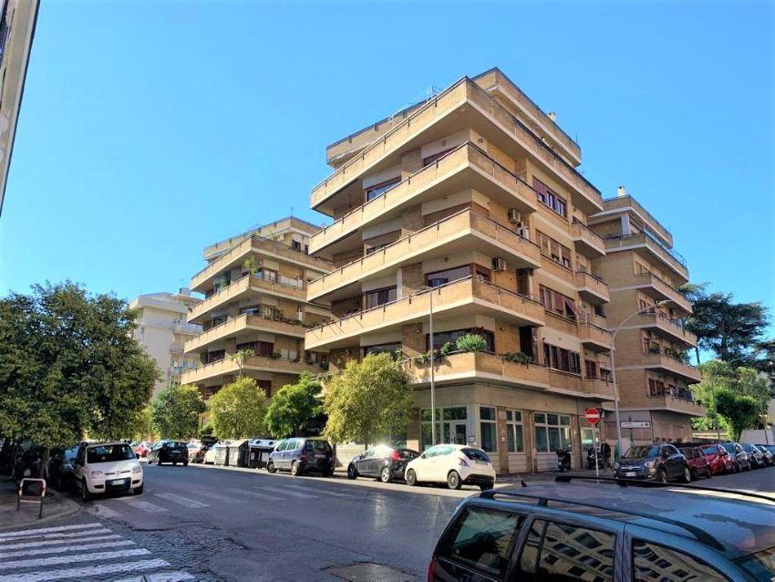 Appartamento in vendita in via Alfredo Baccarini ...