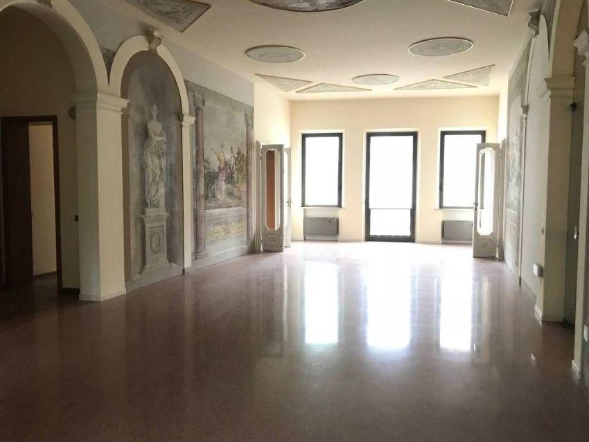 Ufficio in affitto in Area Residenziale Rovigo, Centro ...