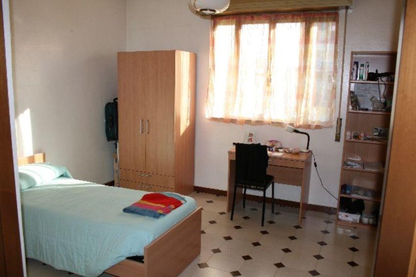 Camera In Affitto In Via Nicolo Borrelli 40 Quartieri Settecenteschi Aldo Moro Foggia Idealista