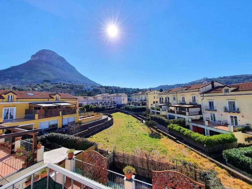 Appartamento Su Due Piani In Vendita In Via San Massimo Piano Di Sorrento Idealista
