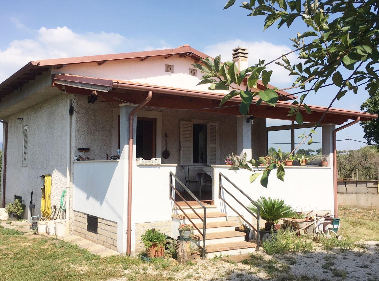 Casa indipendente in vendita in via del turchino san cesareo