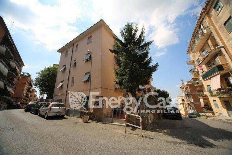 huge discount 61058 4d4f6 Trilocale in vendita in via Fratelli Bandiera, Albano Laziale