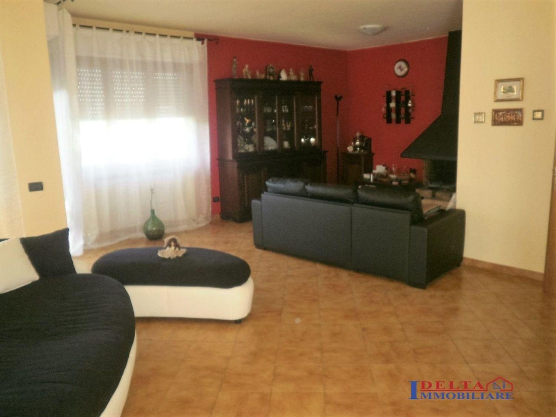 Bagno Lillatro : Appartamento in vendita in stazione lillatro rosignano solvay