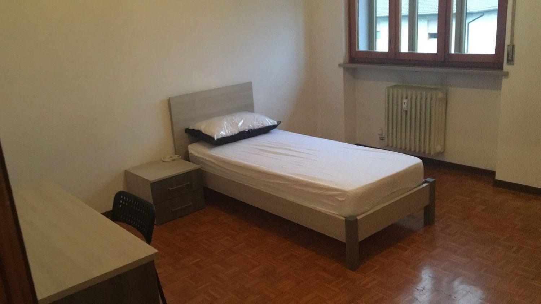 Camera Matrimoniale A Udine.Camera In Affitto In Via Feletto 107 Chiavris Paderno Udine