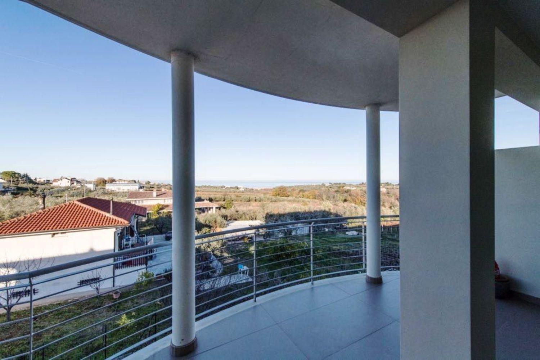 Appartamento su due piani in vendita in contrada Santa Lucia, 29, Ortona