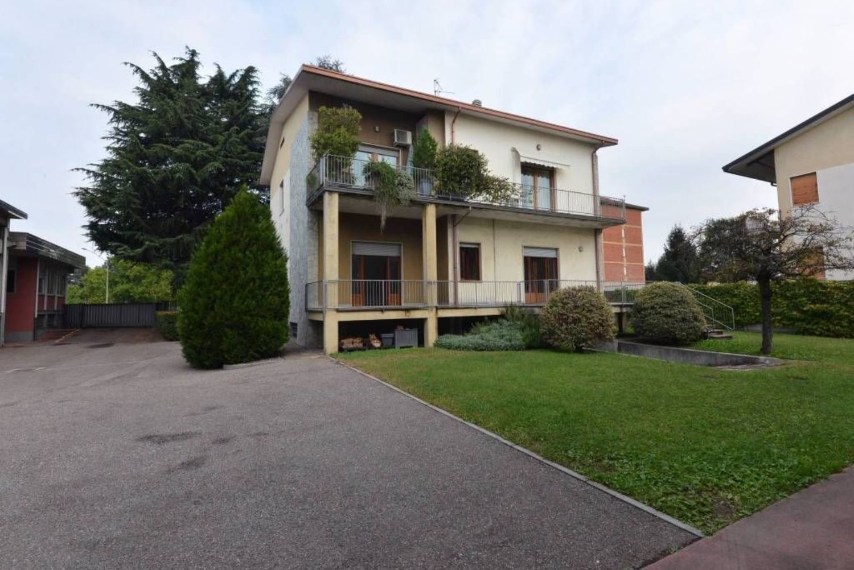 Villa in vendita a Area Residenziale Gerenzano, Gerenzano, Saronnese ...