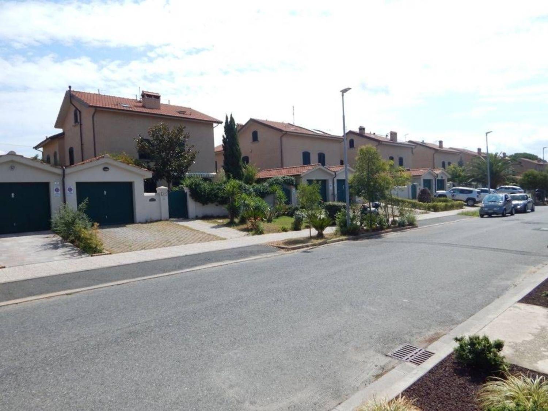 Bagno Lillatro : Villetta bifamiliare in vendita in stazione lillatro rosignano