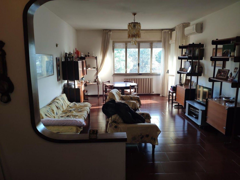 Sala di attico su via Galena, verde maremma, Grosseto