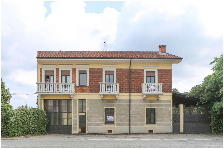 Casa Con Giardino Druento : Trendy immagine facciata di casa su via druento madonna