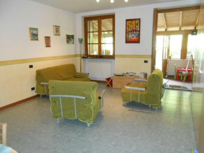 Divano Angolare A Borgomanero.Monolocale In Vendita A Area Residenziale Nell Immediatezza Del